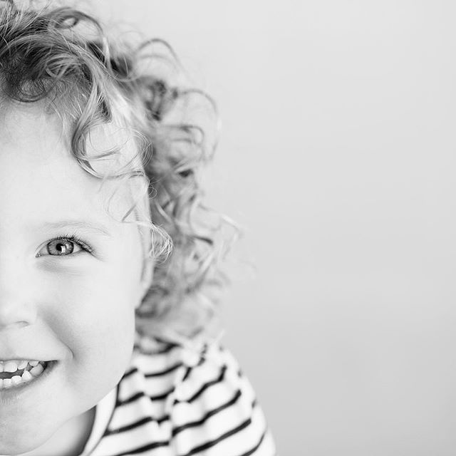 Had our own Shirley Temple in the studio today! I loved seeing her personality slowly show itself during pictures.