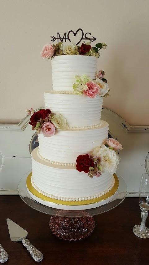 Wedding cake kitsap.jpg