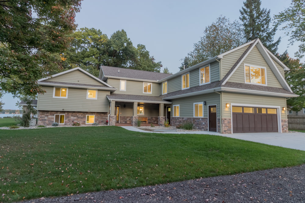 9517 Woodlawn , Portage, MI (01 of 45).jpg