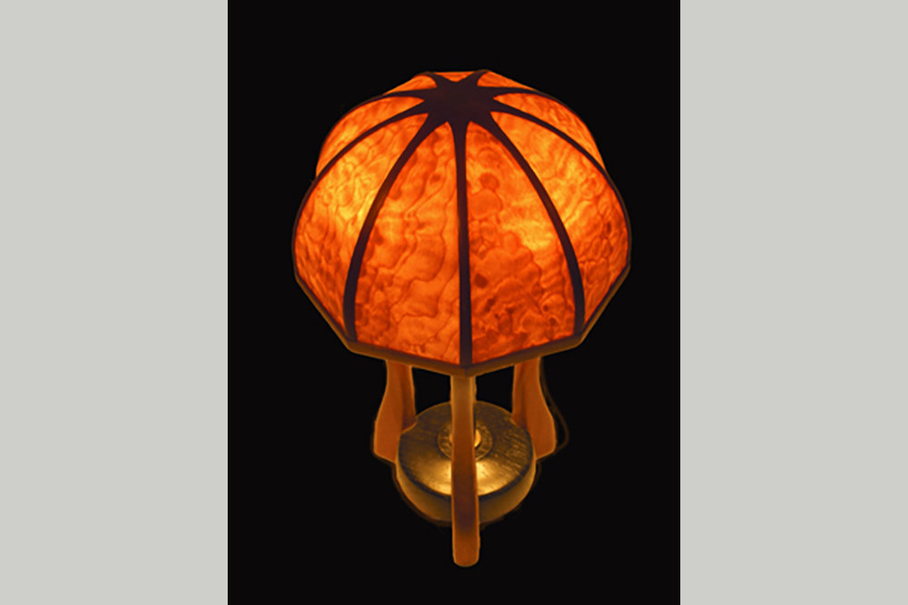 1998-8/1 Translucent Maple Lamp