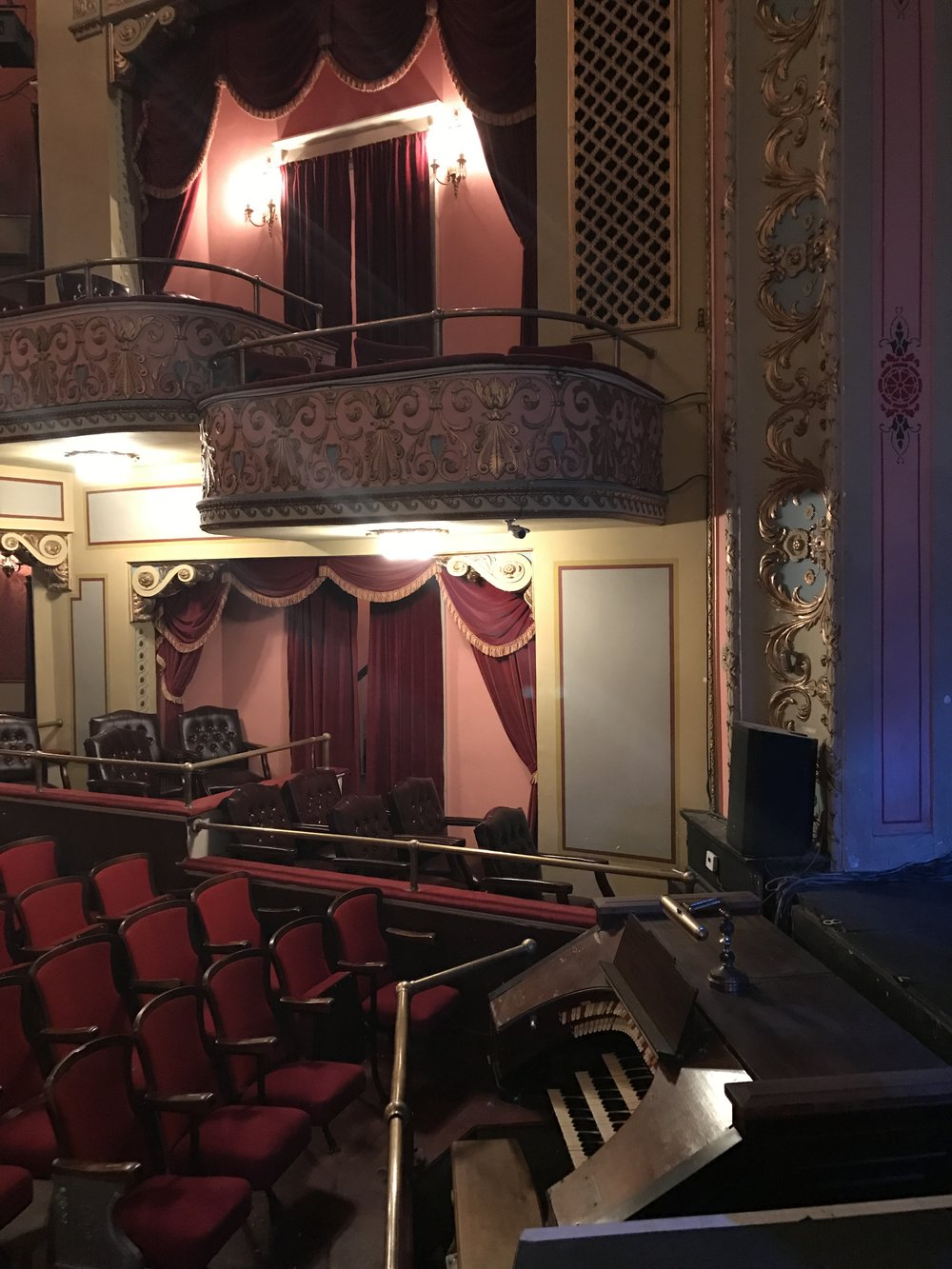 Walt Madison hand-painted the molding of the Broadway Theater. (Photo: Carly Q. Romalino)