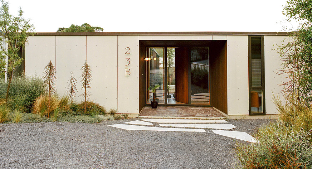 Local_Landscape_Architecture_Residential_Planting_Front.jpg