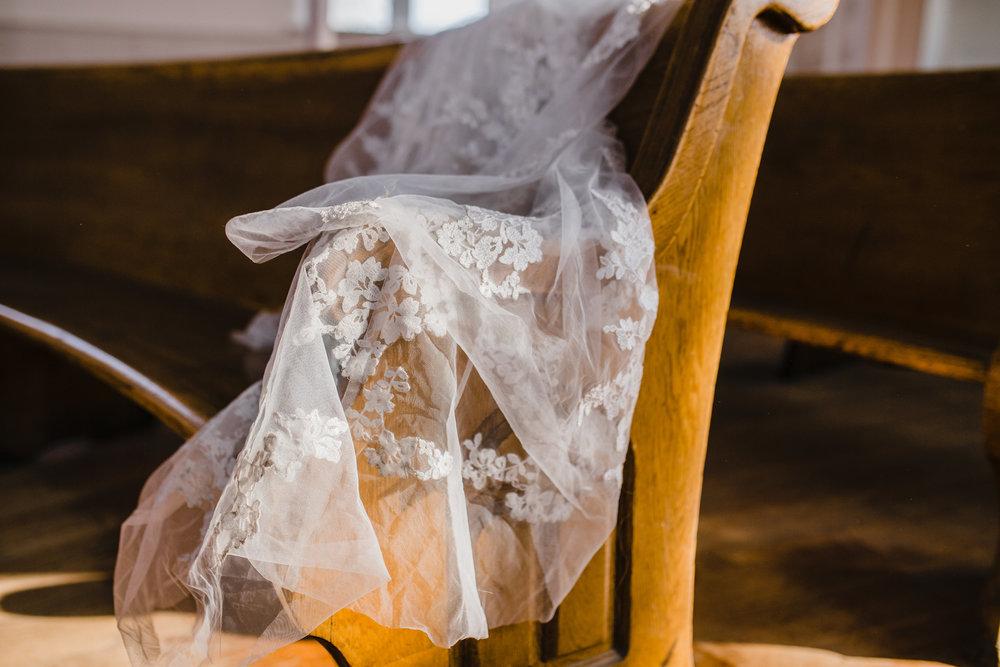 yak winter wedding styled shoot