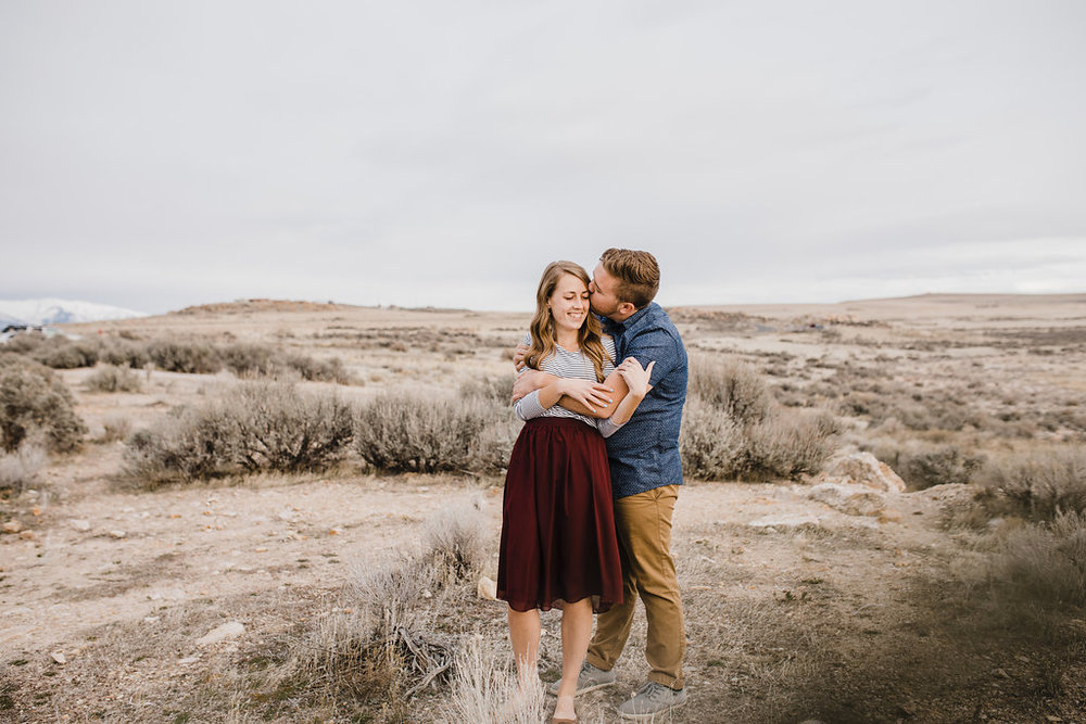 logan utah photographer preparing for your engagement session