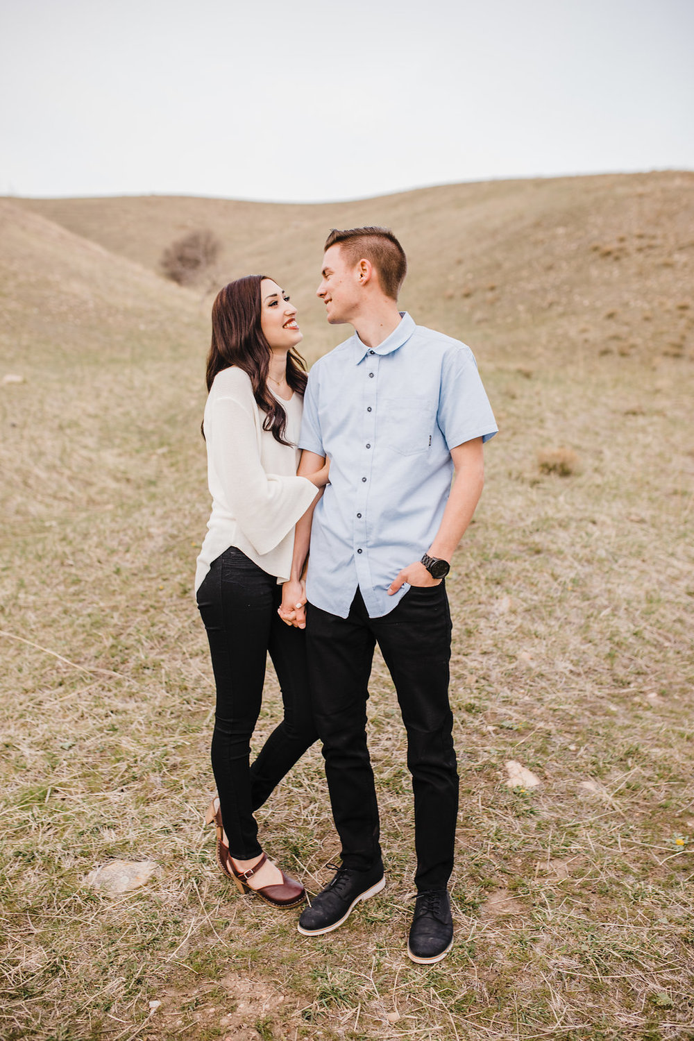 salt lake city utah engagement photographer natural posing romantic photography tunnel springs park