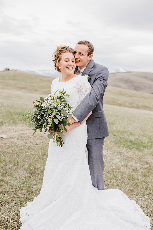 bright white natural posing wedding photographer formals session logan ut