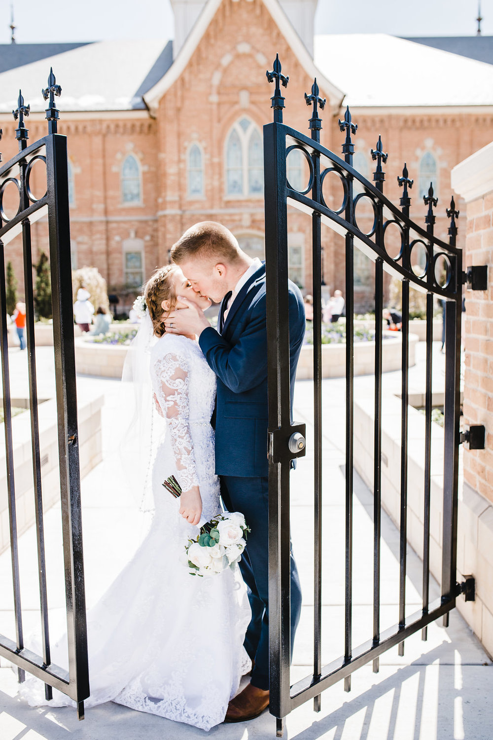 professional wedding day photographer prove city center lds temple