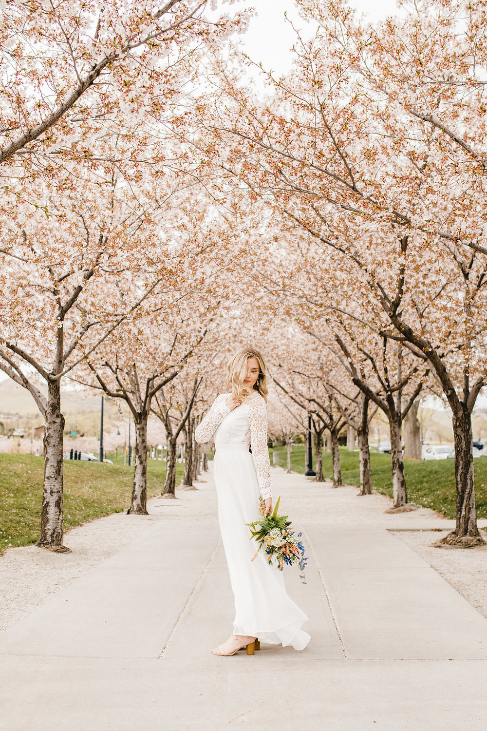 utah state capital building cherry blossoms bridals photography calli richards