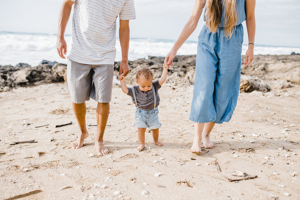 family pictures honolulu family photographer beach pictures couples hawaii north shore family photography