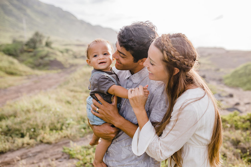 family pictures in hawaii sun spot young couple with baby hawaii north shore family photographer available for travel