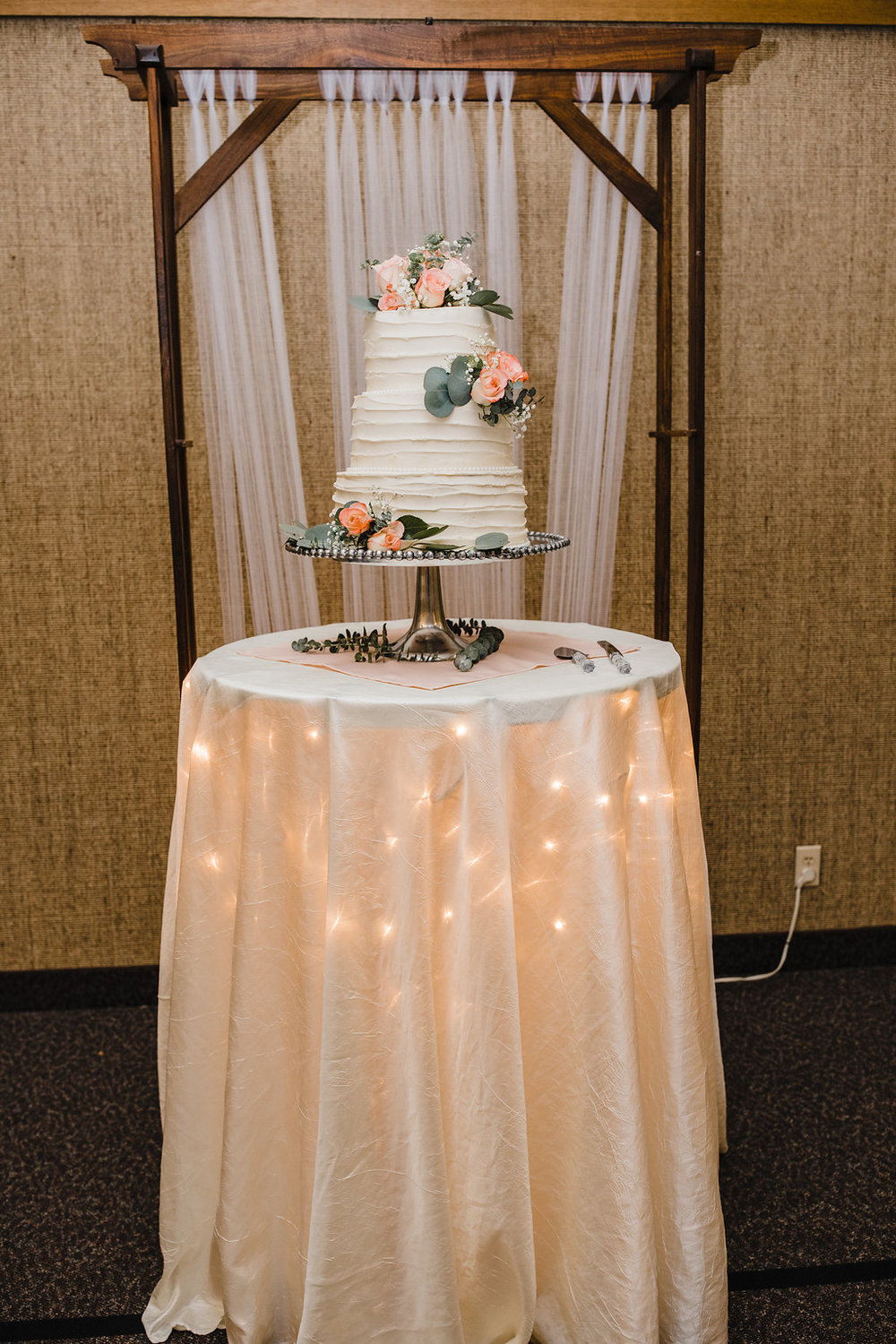 professional wedding photography at the reception lds church wedding day photos