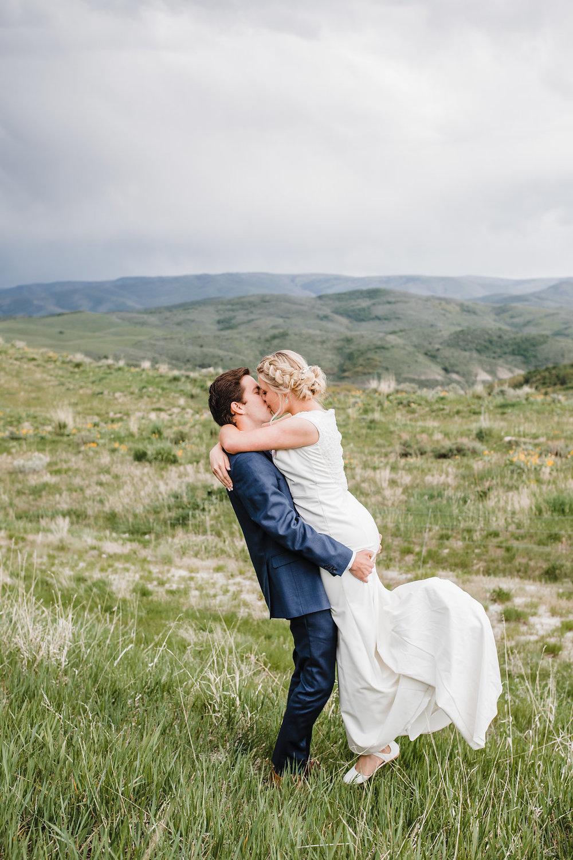 adventurous romantic formals photographer calli richards logan utah mountains wedding photography