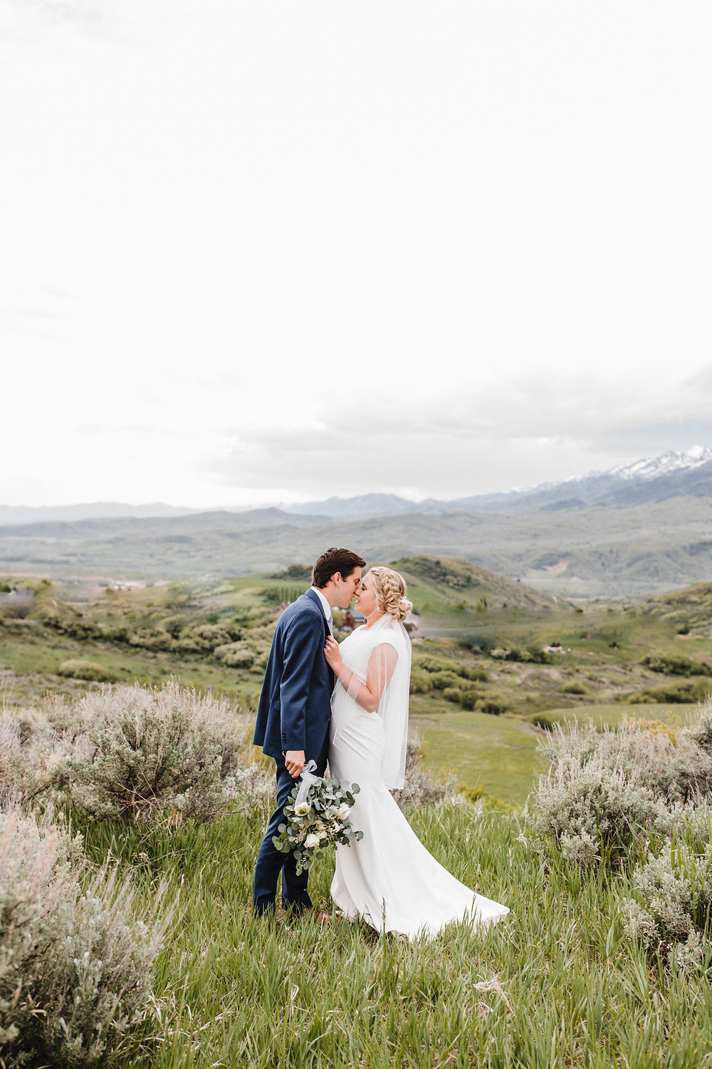 professional wedding photos bridals formals photographer in a mountain green canyon calli richards cache valley wedding photography