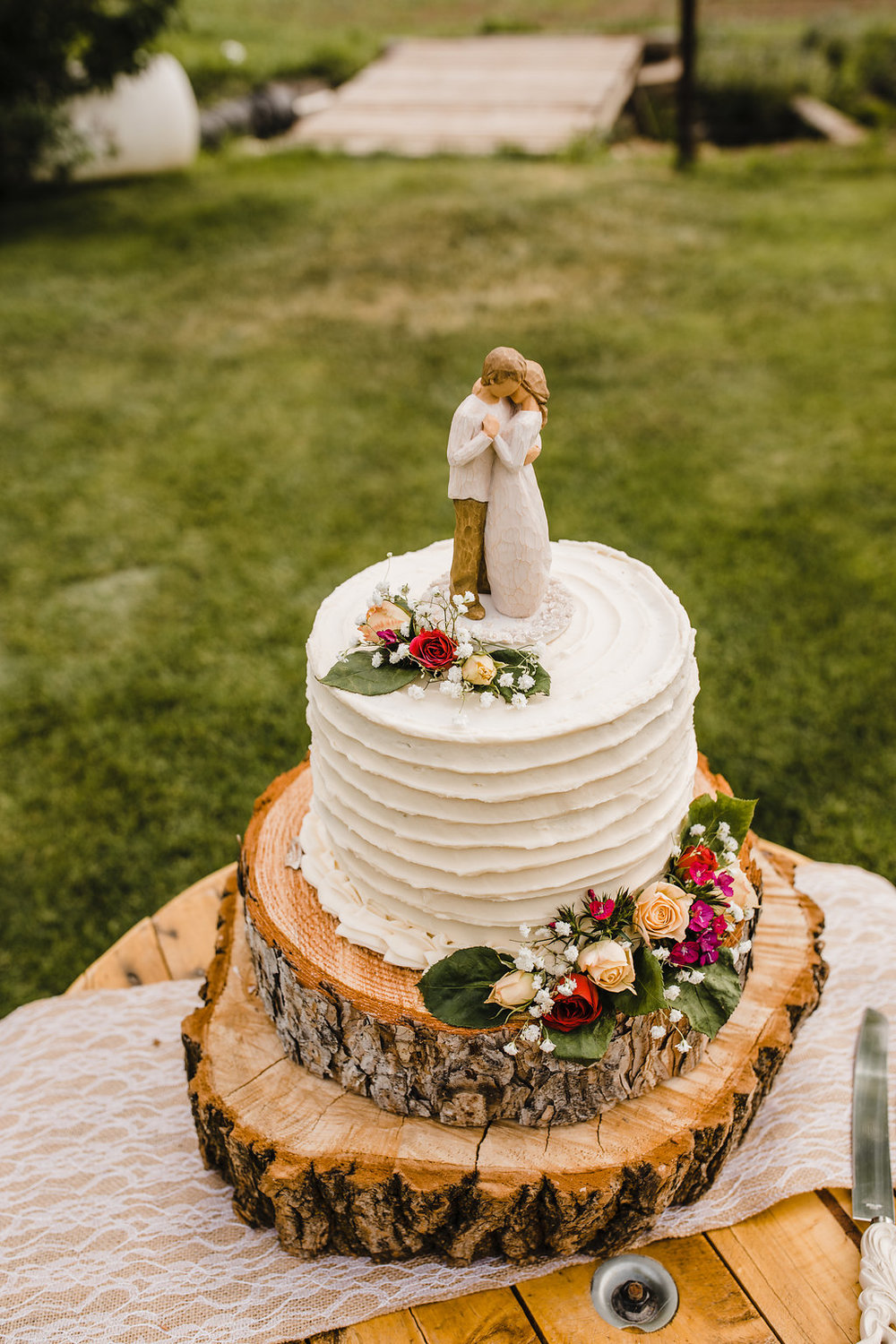 professional wedding photos reception cake bohemian wedding rustic wedding cake calli richards wedding photographer in brigham city utah