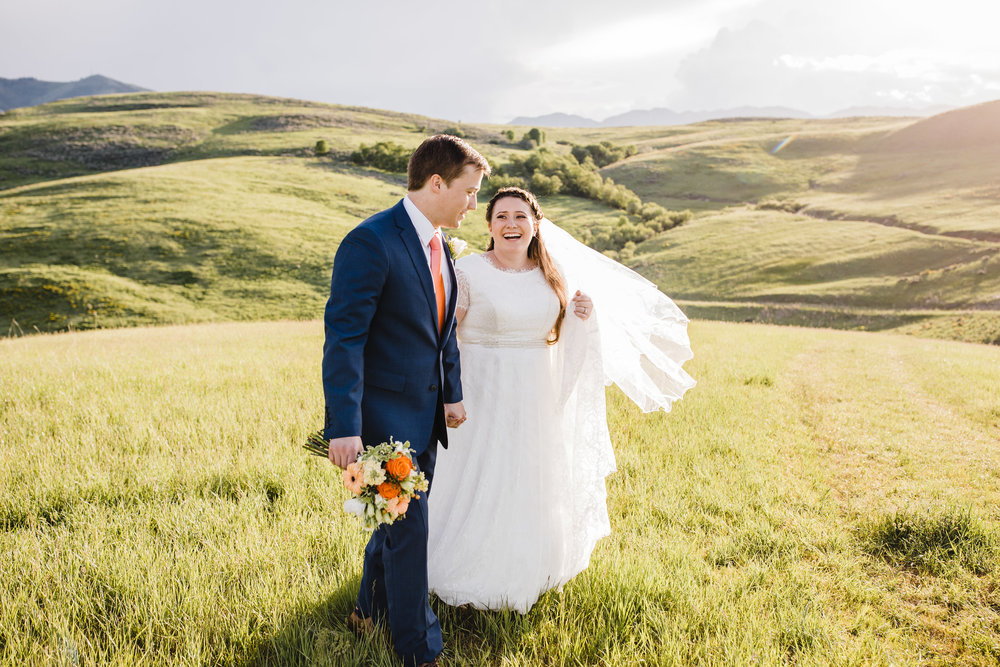 utah valley wedding photographer sunflower wedding bouquet lace wedding dress hill backdrop