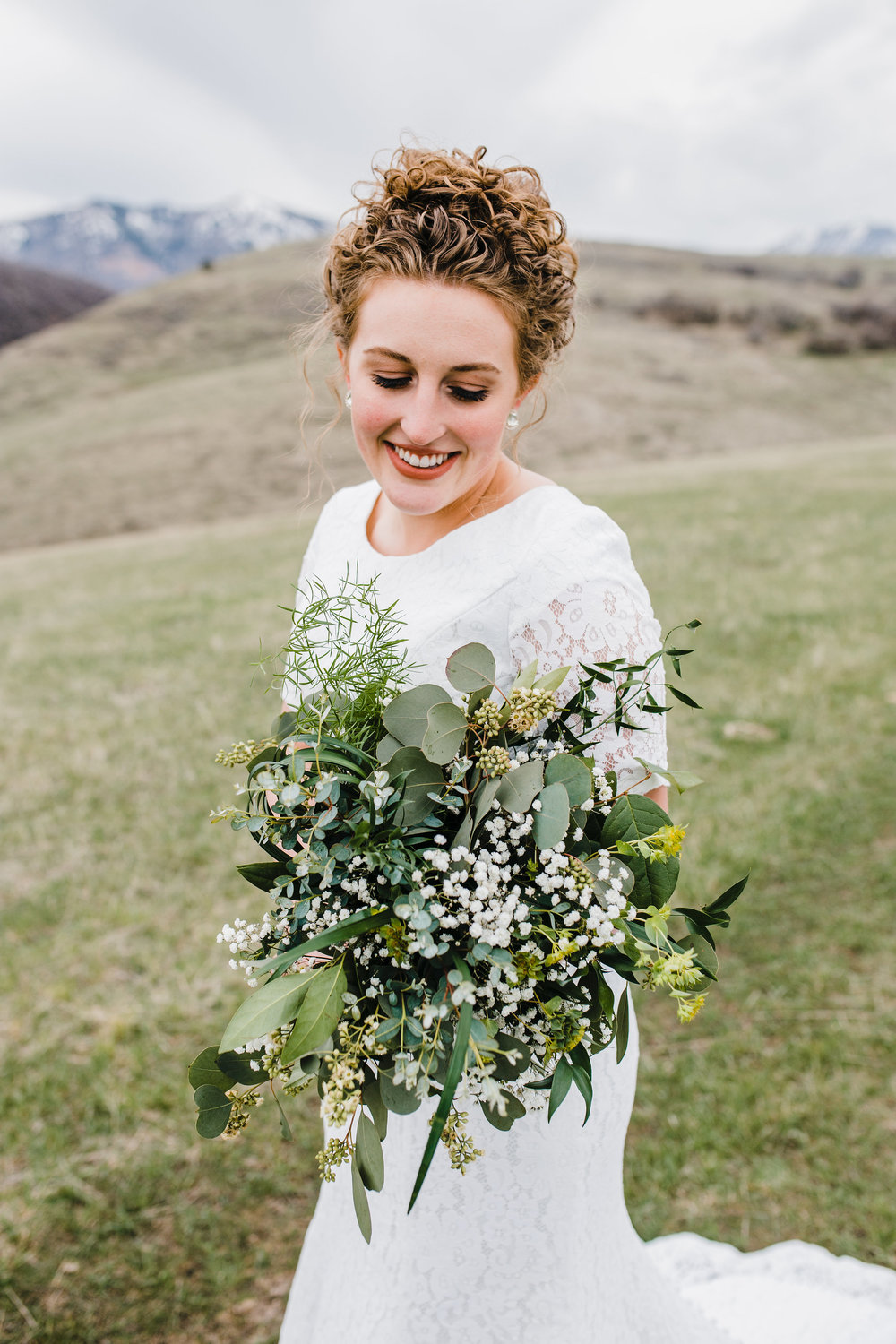 best professional photographer in cache valley utah bridals bohemian wedding bouquet mountain