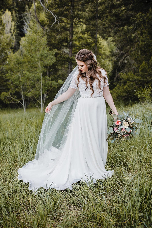 bride details provo utah wedding formals long veil rose bouquet professional utah wedding photographer calli richards