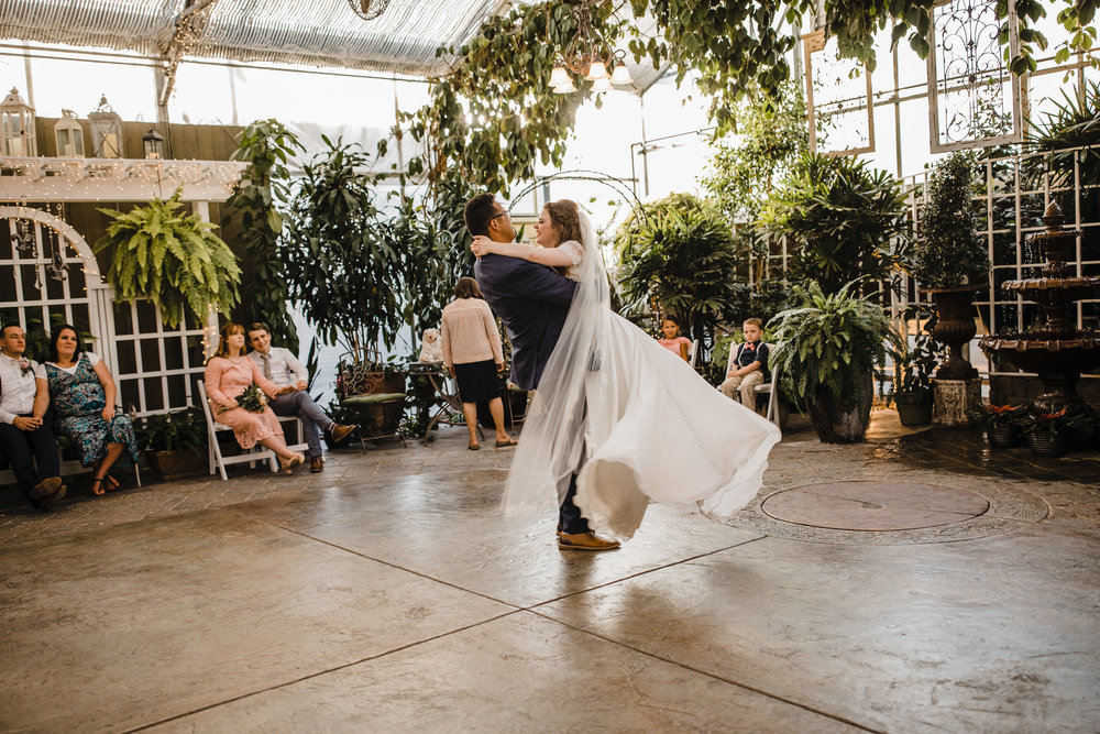 salt lake city wedding photographer first dance dip