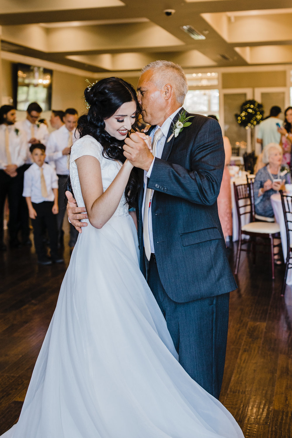 father daughter dance father of the bride professional utah wedding day photographer calli richards