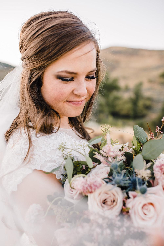 cache valley wedding photographer bridals pink bouquet veil lace dress