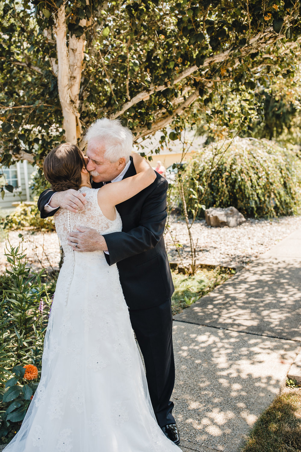 best olympia washington wedding photographer father of the bride first look