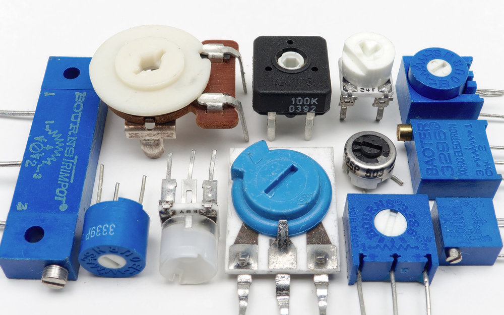 12_board_mounted_potentiometers.jpg