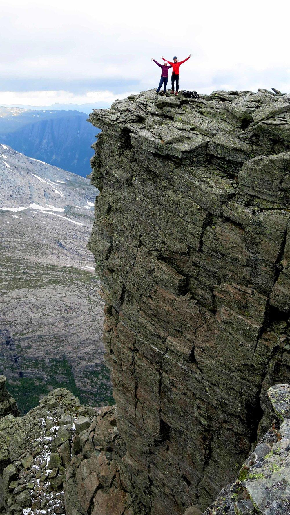 Galleriet på Gjegnen er ein 1000 meter høg preikestol.