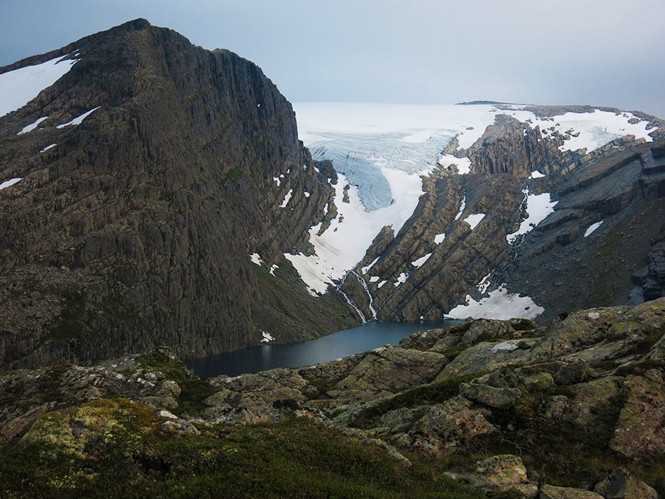 GJEGNALUNDSBREEN:  Sjølvtilliten får eit løft når vi ser tilbake på brefallet i Gjegnalundsbreen. Der gjekk vi.