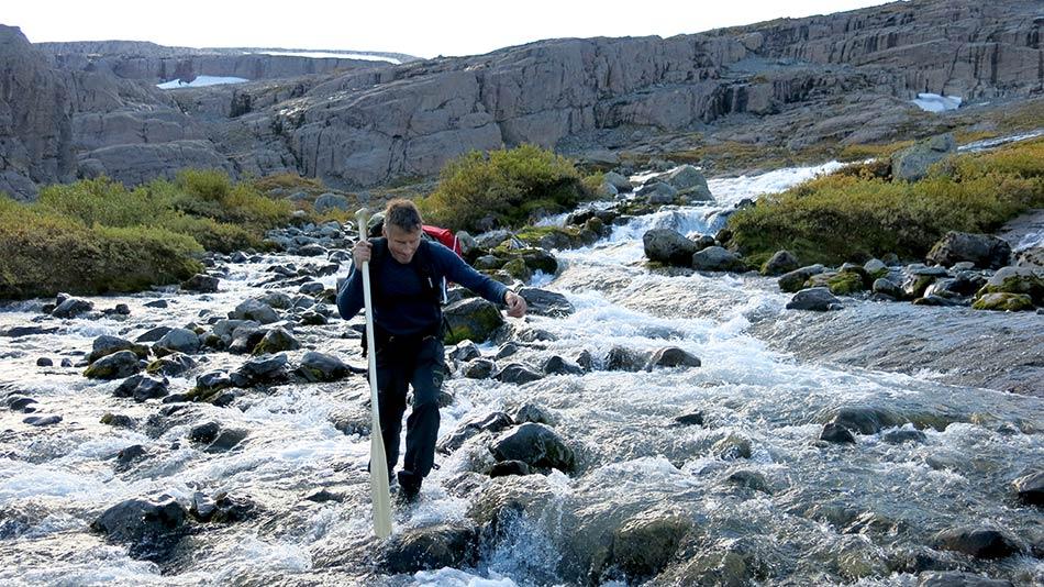 FORSERING:  Elvane ned mot Store Åskorvatnet er sikre i si sak om hausten, tørrskodd skal ingen krysse oss no.