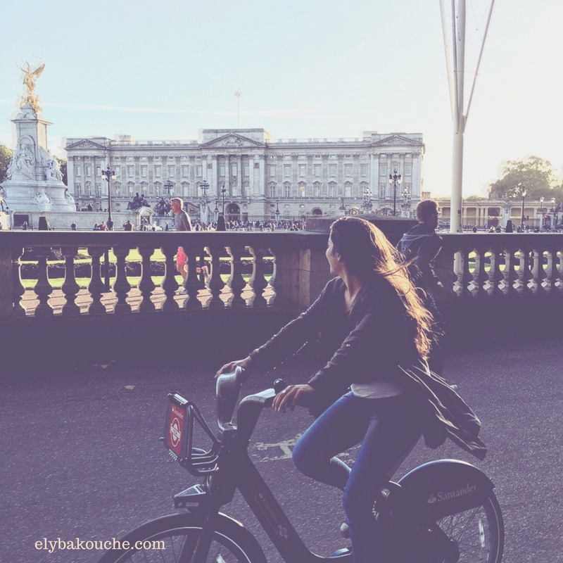 Biking around London, England. This is the famous Buckingham Palace.