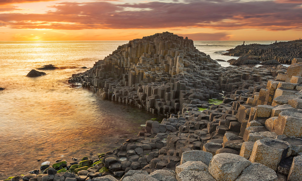 sh_393991747-Giants-Causeway-Northern-Ireland_EDIT-2000x1200.jpg