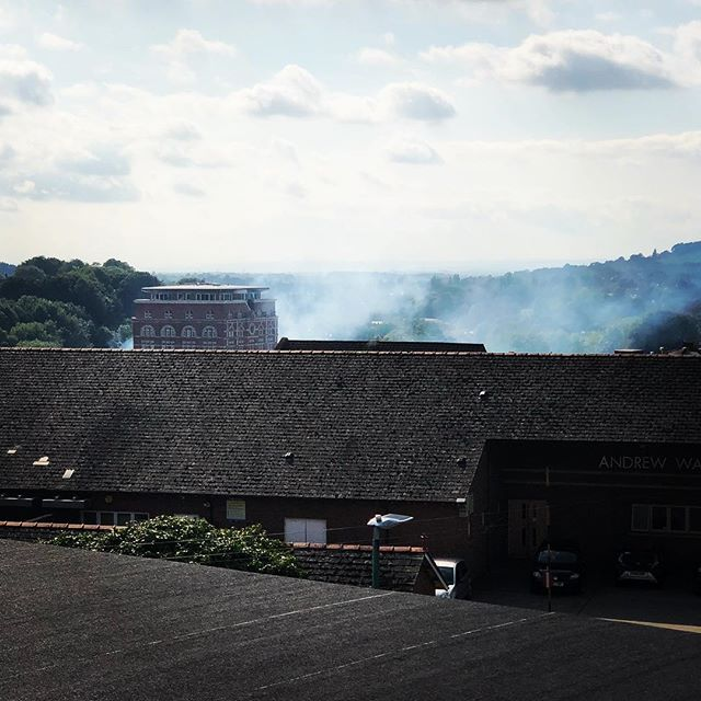 Dramatic scenes over towards Cheapside/Bath Road, we hope that it's nothing serious and everyone is out of harms way. #worried