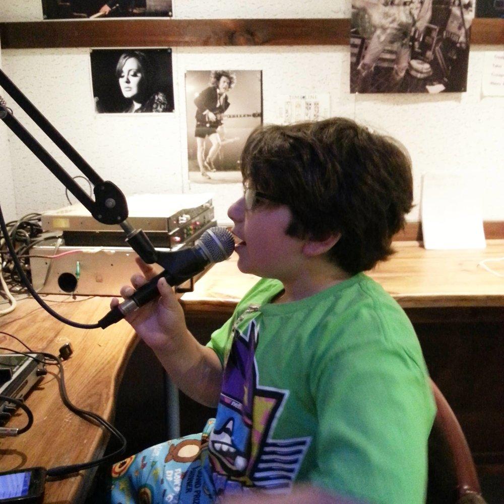 radio 008.jpg