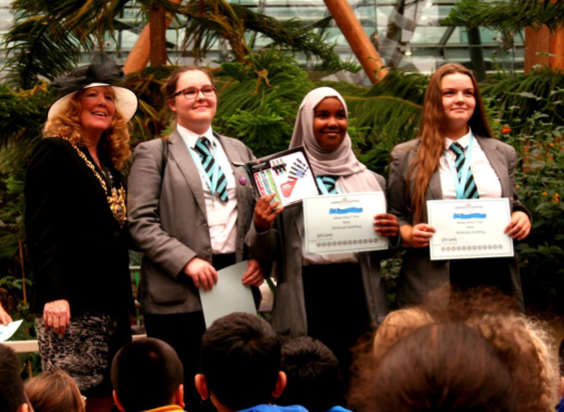Parkwood Academy students receiving certificates.png