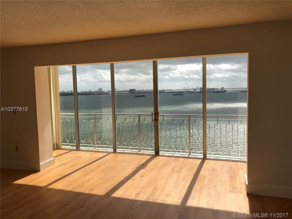 Miami - 4 Unit Bulk-Sale $1,080,000