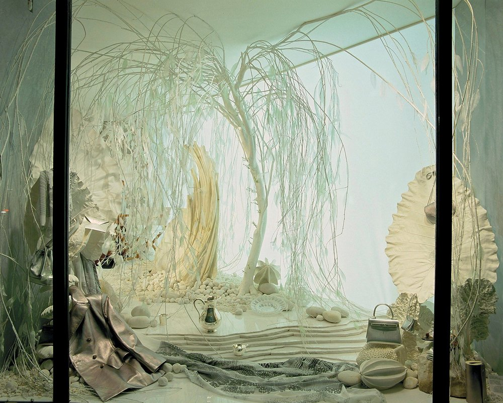 Vitrine Faubourg Saint-Honor, 1998, Courtesy of Hermès.jpg