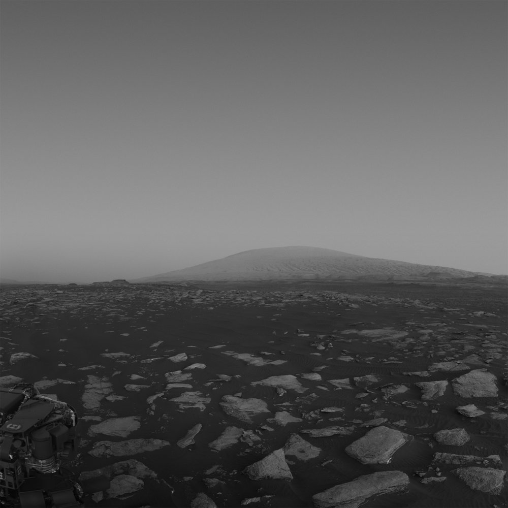 A 6 frame NavCam mosaic from Sol 1611