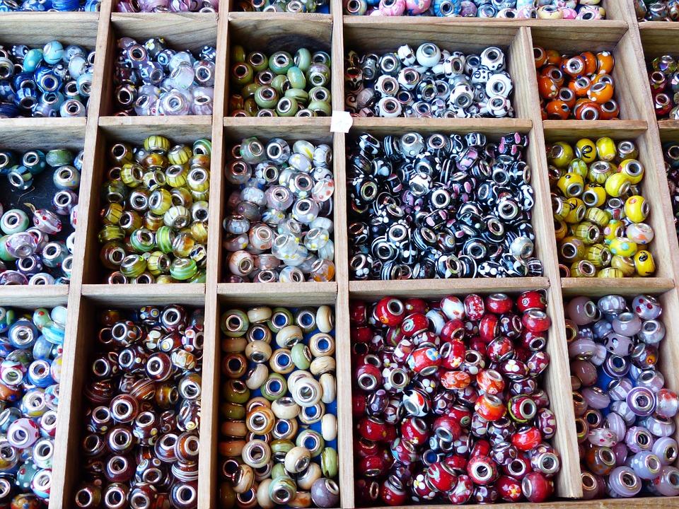 Capricornia Potters Group - - Selma Fida Porcelain Jewellery Workshop