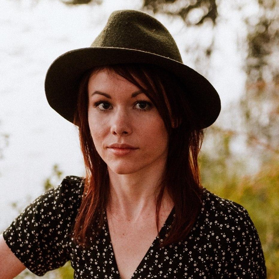 Kate Mahood - Singer-songwriter