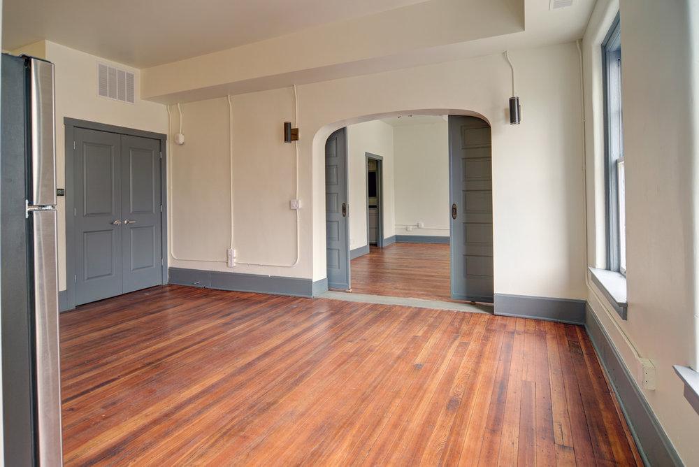 Apartments - Newark Living Room 1.jpg
