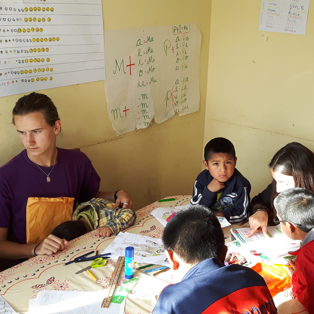 volunteering-in-peru-with-orphanages.png
