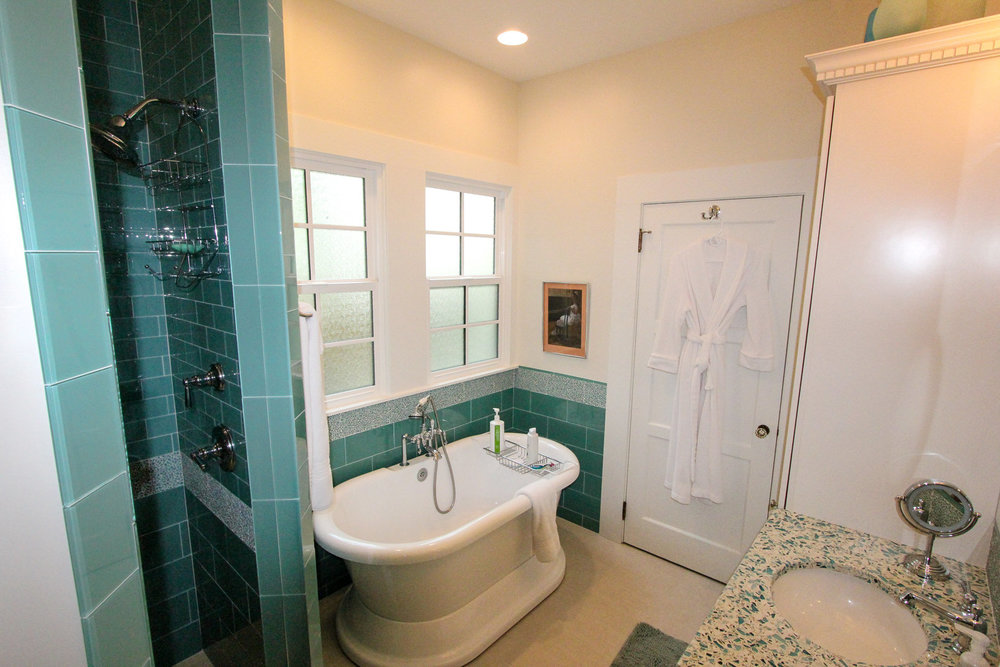 Looking For A Bathroom Remodel In Yakima? Contact The Award Winning Team At  Baxter Construction For Your Bathroom Remodel.