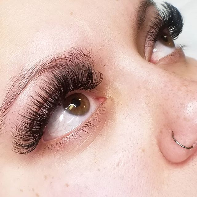 Happy Saturday everyone! Ready for a busy day in the salon today! Saturdays are my busiest day so make sure to schedule you appointments in advance! #eyelashextensions #cincinnatieyelashextensions #cincinnatilashes #cincinnatilashartist #lashartist #lashtraining #daytonlashes #russianvolume #russianvolumelashes #cincinnati