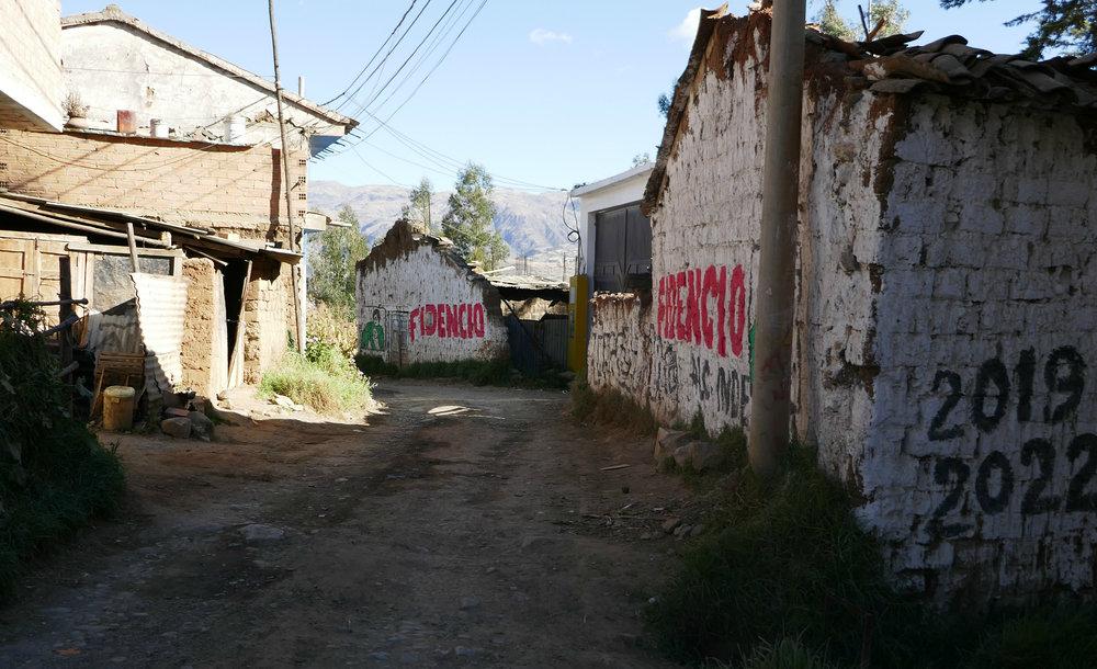 The dirt road of Calle de Mirador