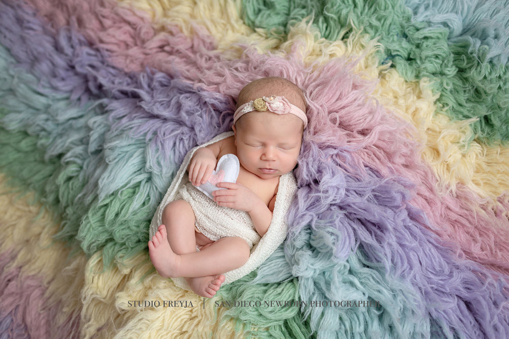 Logan Newborn Pictures Copyright Studio Freyja (1 of 7).jpg