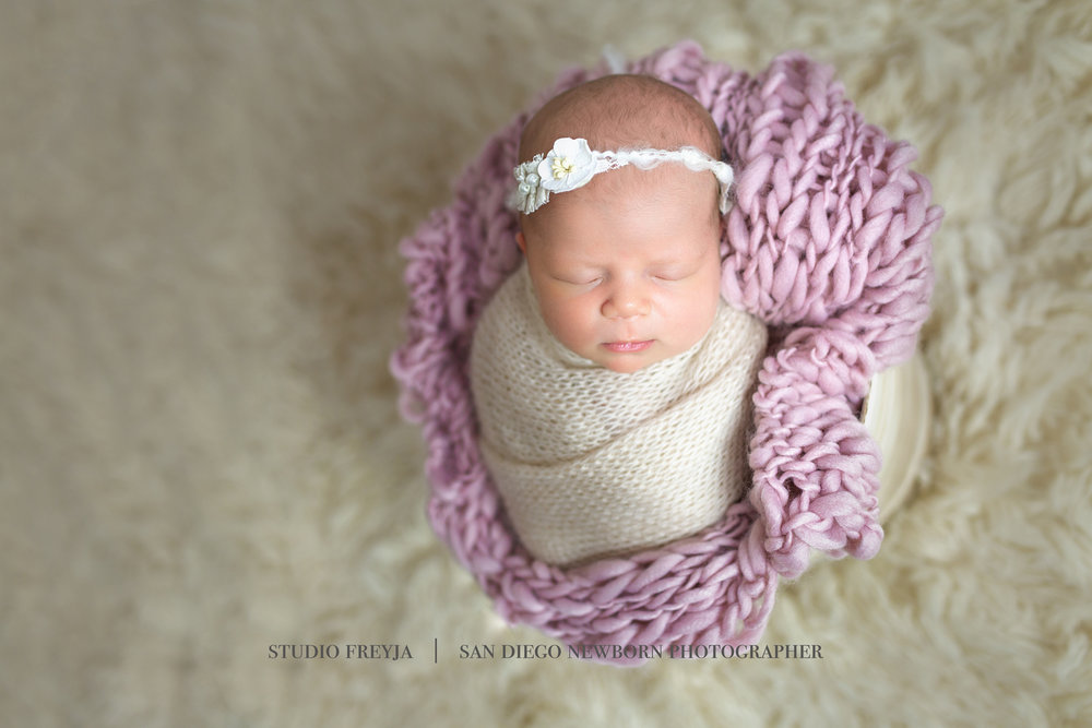 Logan Newborn Pictures Copyright Studio Freyja (3 of 7).jpg