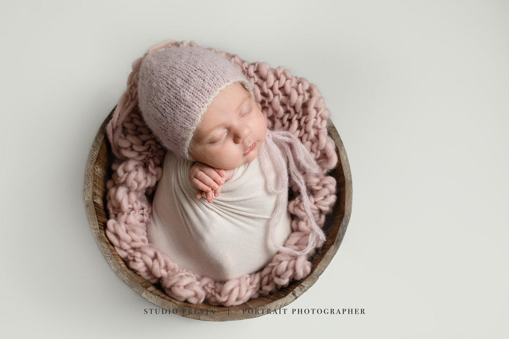 Brookly Newborn Pictures Copyright Studio Freyja-27.jpg