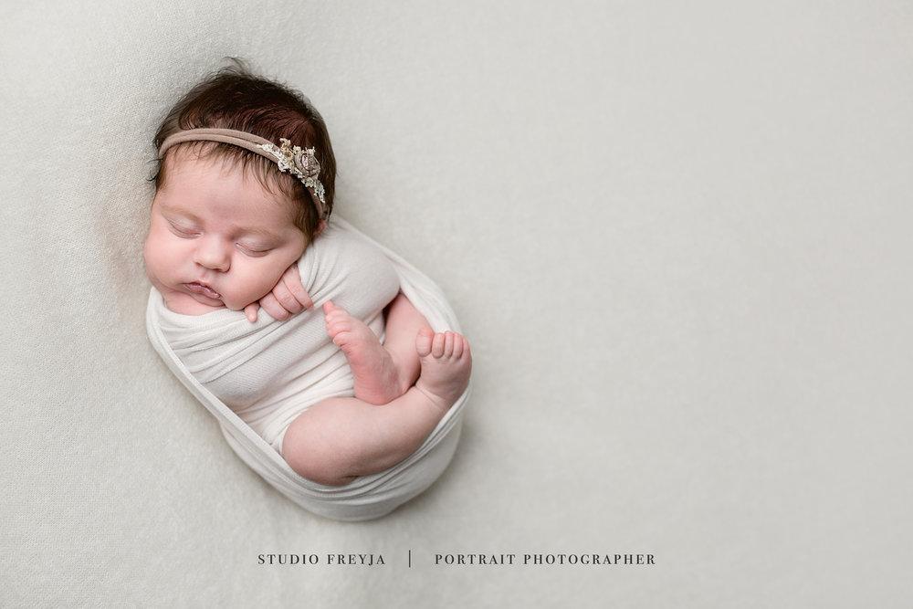 Brookly Newborn Pictures Copyright Studio Freyja-33.jpg