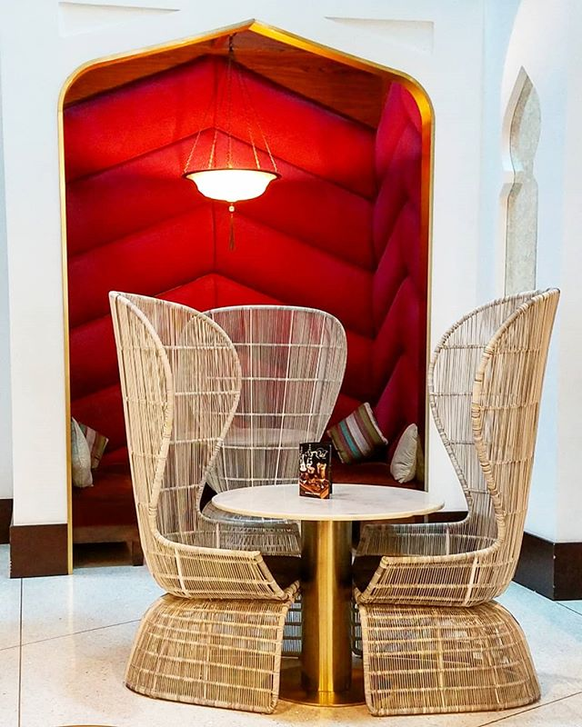 Doha airport,  you got some style! Can I curl up here? Do you think anyone would notice? With a 20hr layover in Doha, I could definitely sneak in and pretend I live here. #homegoals . . . #design #interiors #fabric #nooks #textiles