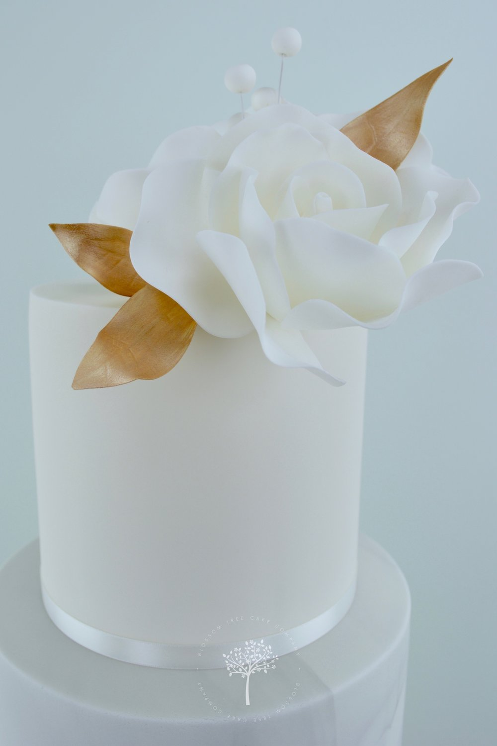 Marble and White Roses wedding cake by Blossom Tree Cake Company Harrogate North Yorkshire - top sugar roses.jpg